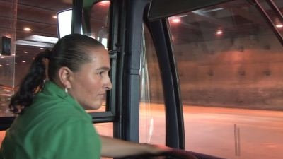 Conductora de bus en Colombia